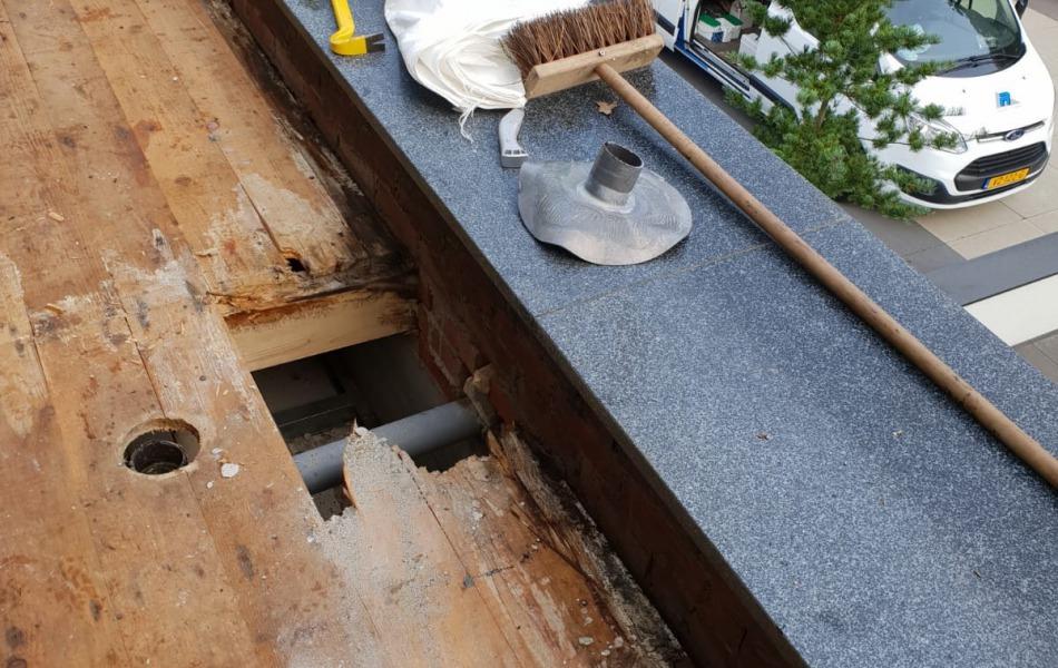 Dakrenovatie villa nijmegen daklekkage goed dakdekkersbedrijf gezocht