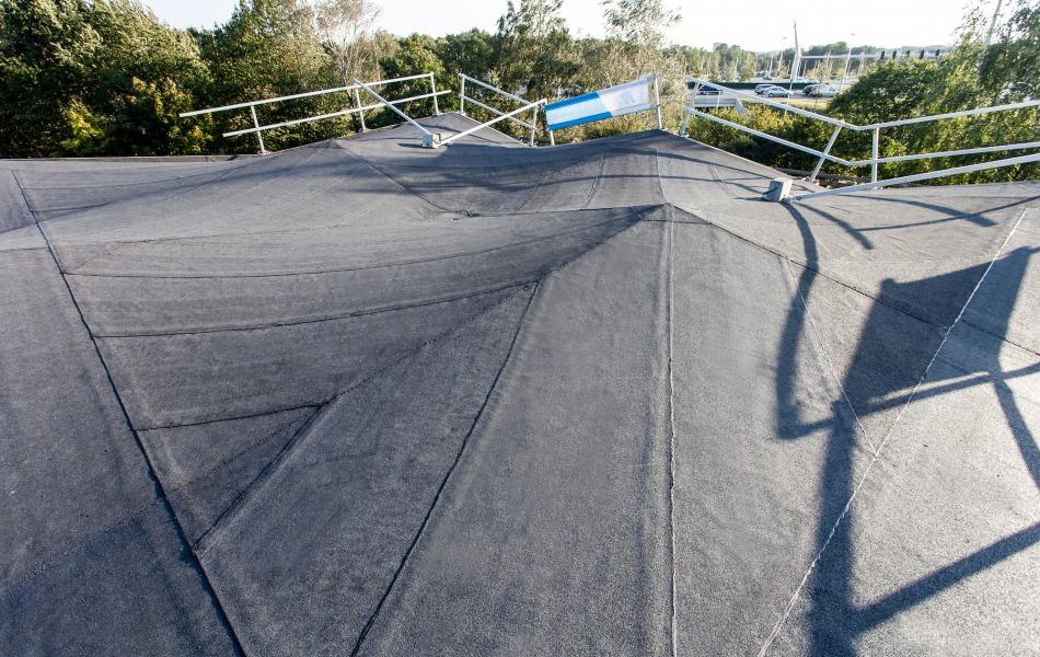 Dakdekker uit Arnhem gezocht